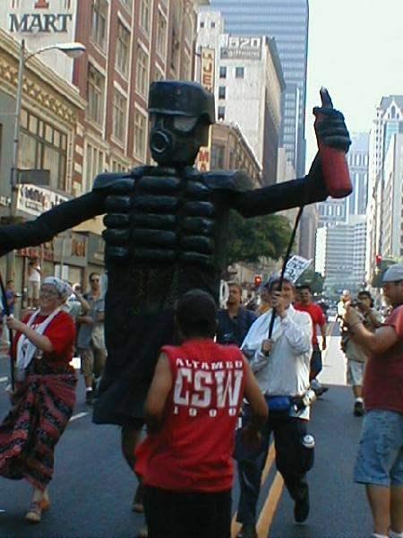 Mega Cop for Mumia (...