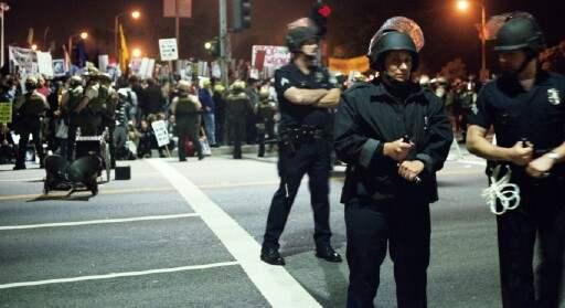 cops 1...