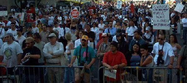 Crowd at Federal Bui...