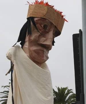 Another stilt puppet...