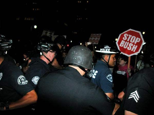 Bush Protest - LAPD ...