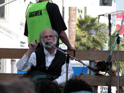 Ron Kovic  4...