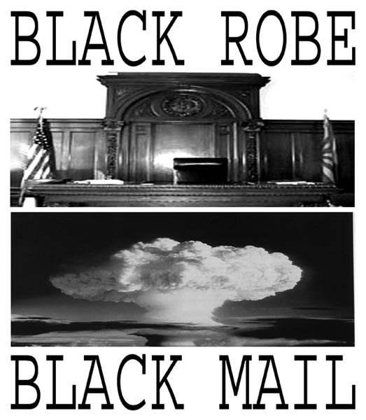 BLACK ROBE BLACK MAI...