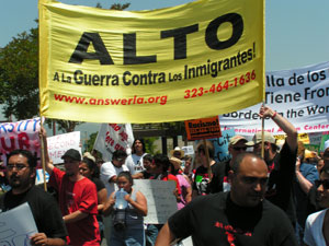 PROTEST ANTI-IMMIGRA...