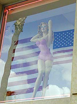 Pin-up America...