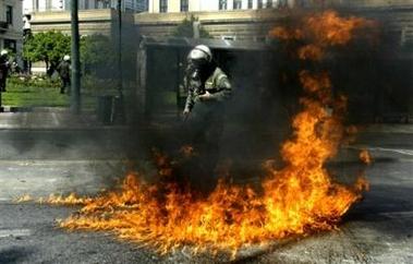 Greece: Anarchists i...