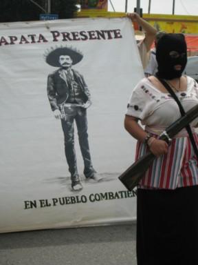 Zapata presente...