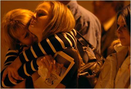 Lisa Bradford hugs h...