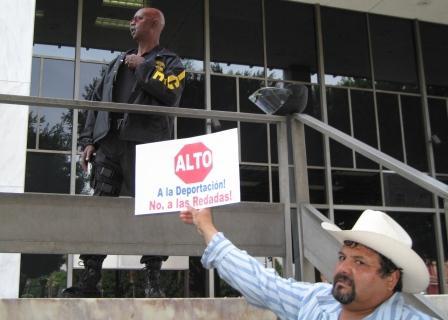 alto a al deportaci�...