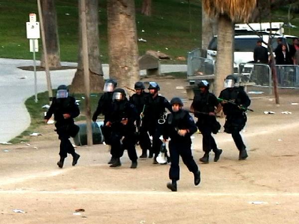 police run...
