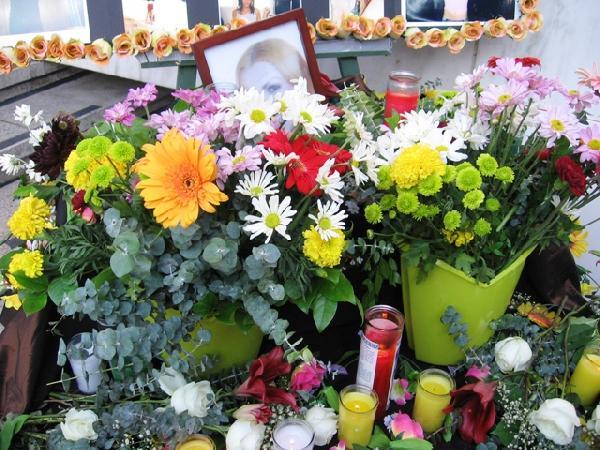 08.27.07 vigil at th...
