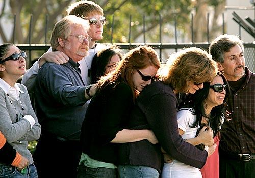 Family Members Griev...
