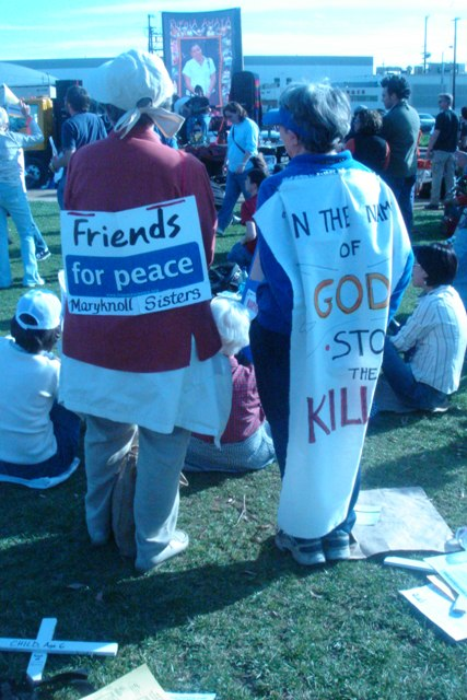 Friends for peace...