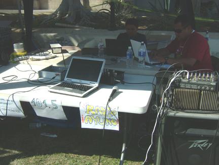 Live Streaming Radio...