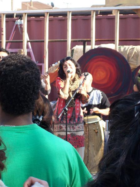 Quetzal performing c...