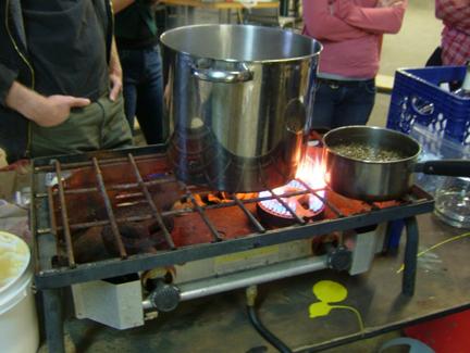 Boiling the malt (wo...