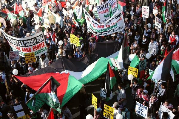 A sea of Palestinian...