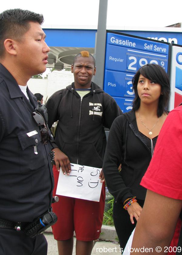 LAPD advising kids o...