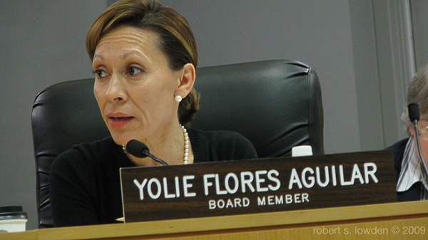 Yolie Flores Aguilar...