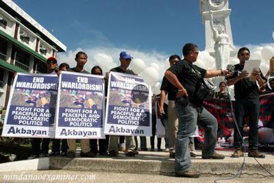 Filipino journalists...