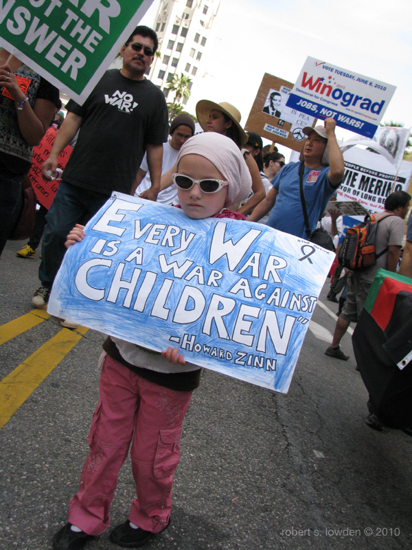 Child Protester Los ...