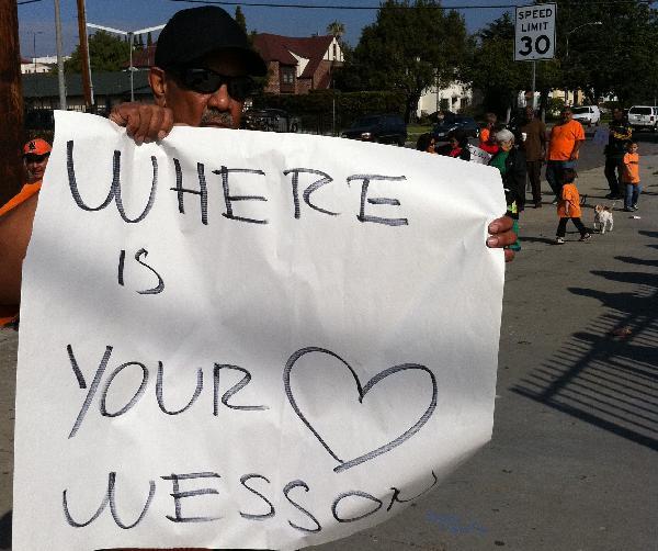 Demonstrator sends W...