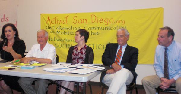 Activists Discuss De...