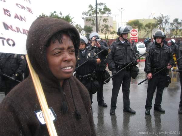 Occupier Alifah Ali ...