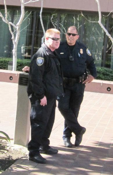 federal cops...