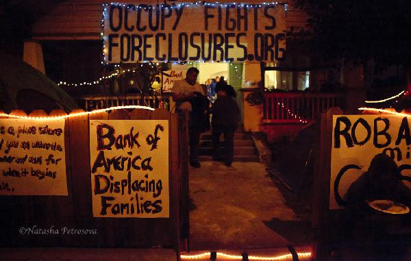 Occupy Fights Forecl...
