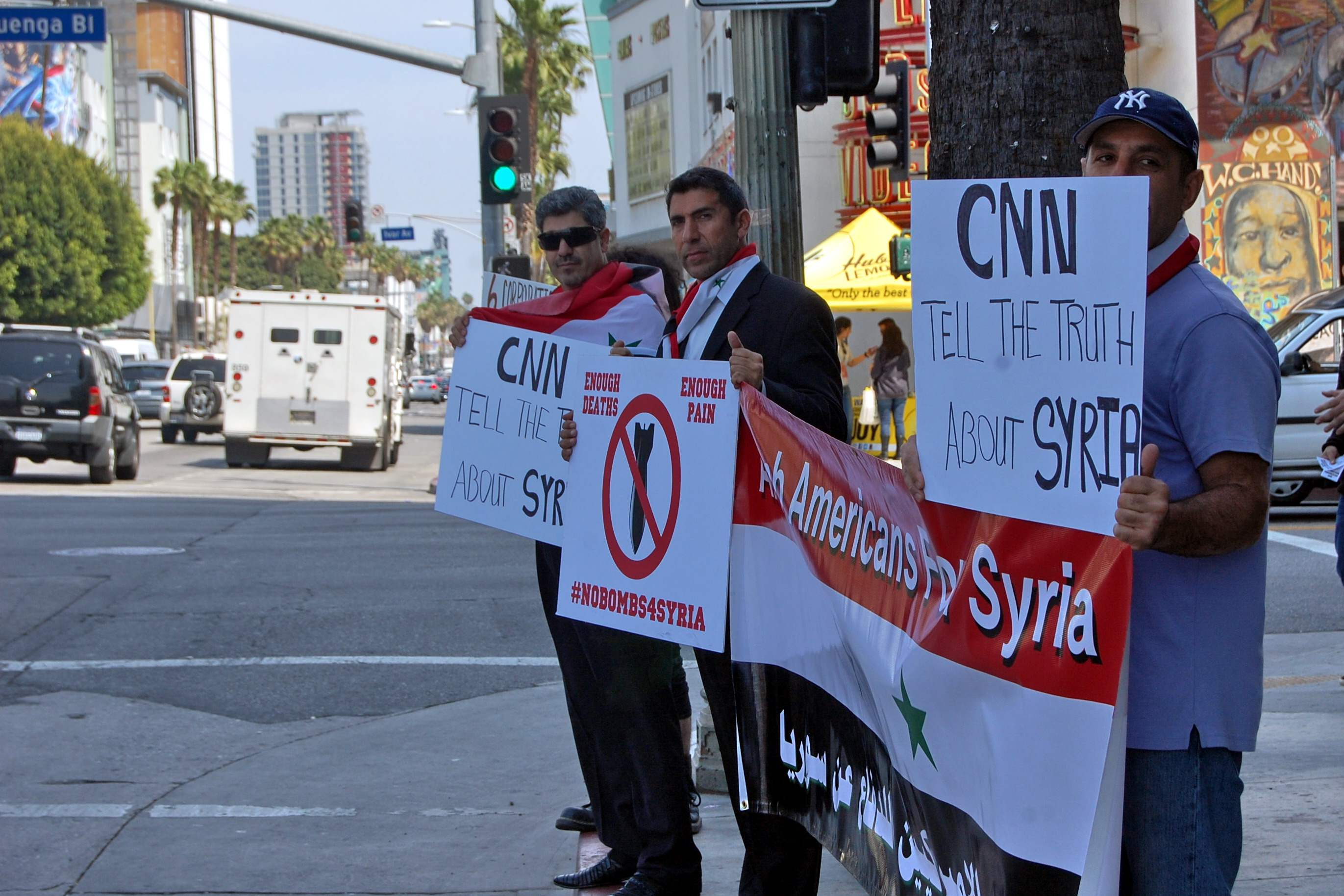 #NoBombs4Syria revea...