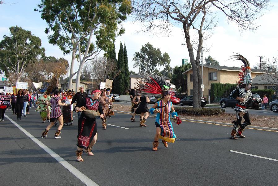 Danza Azteca Leads L...