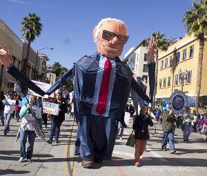 Bernie Sanders at The 2016 Rose Bowl Parade.