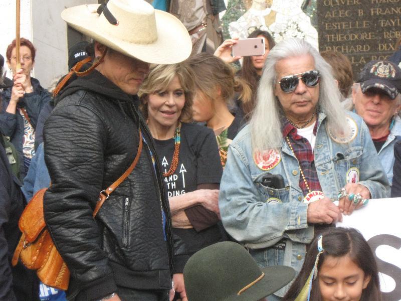 Jane Fonda Divests F...