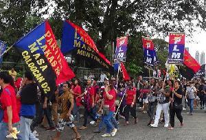 Philippines: Duterte's gravy TRAIN for the rich
